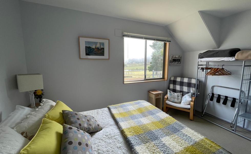 Cosy Bedroom 1