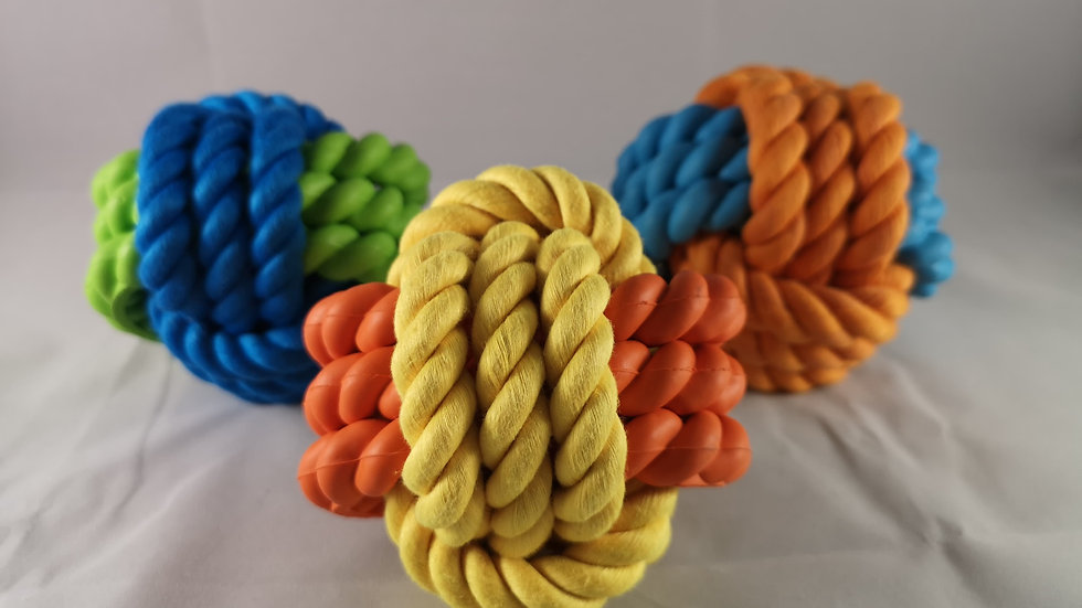 Rosewood Tough Twist Rope and Rubber Ball