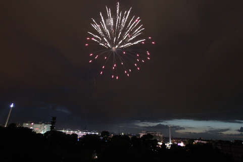 Feuerwerk Ausblick / Fireware view City Loft am Park.jpg