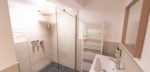 Badezimmer mit WC 1