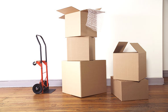 Under One Roof provides packing services in Chicago and the surrounding suburbs.