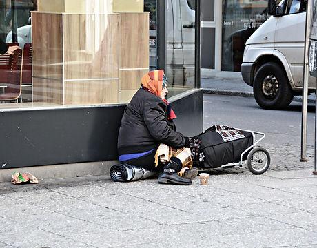 poverty-1423343_1920.jpg