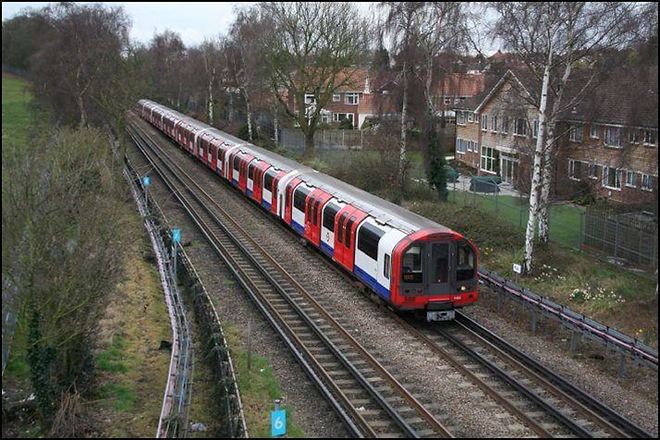 Central line suburban.png