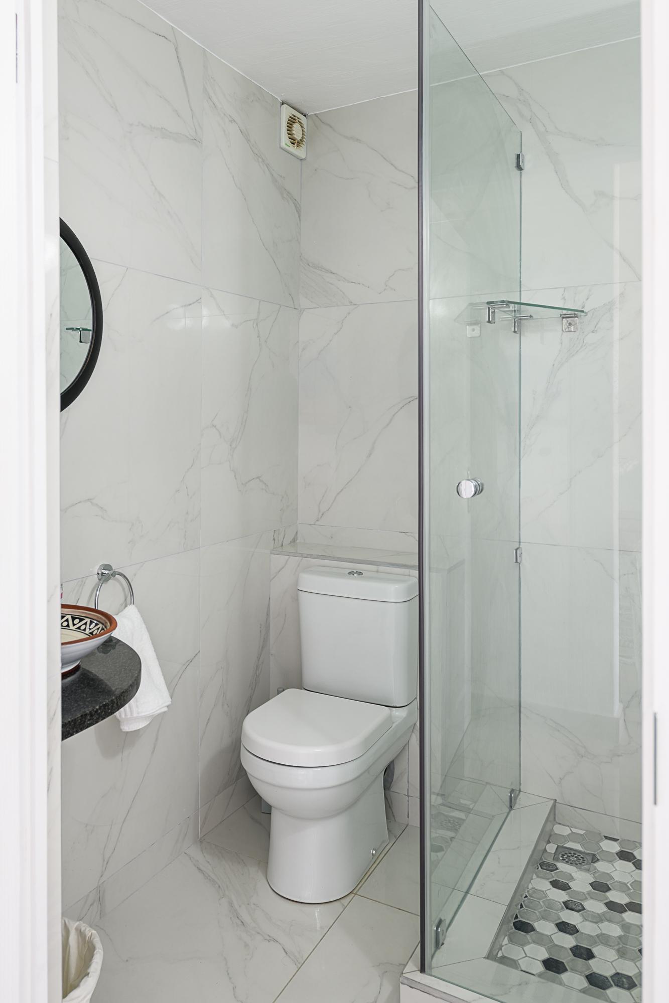 Shower Unit 85