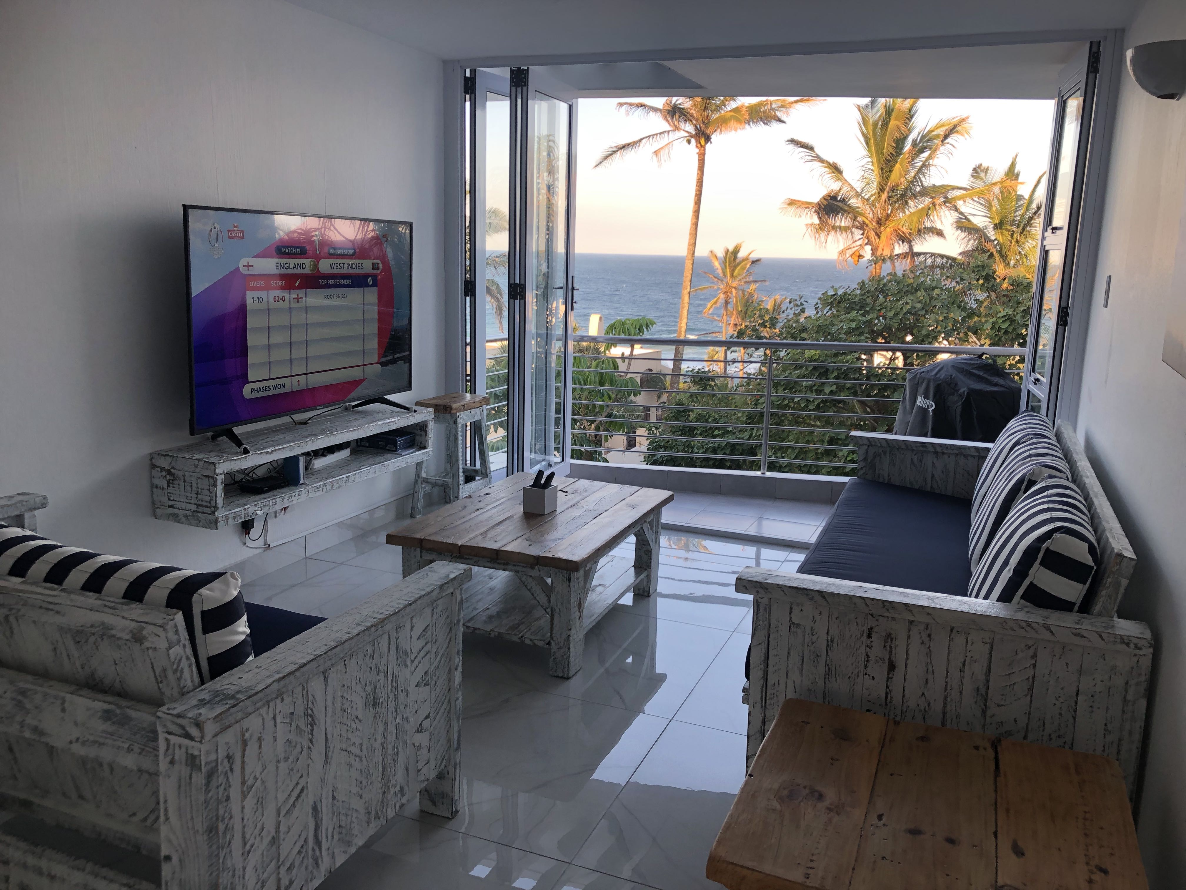 Living room 85