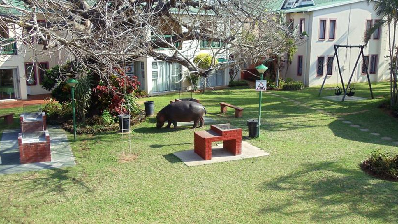 Hippo in Garden