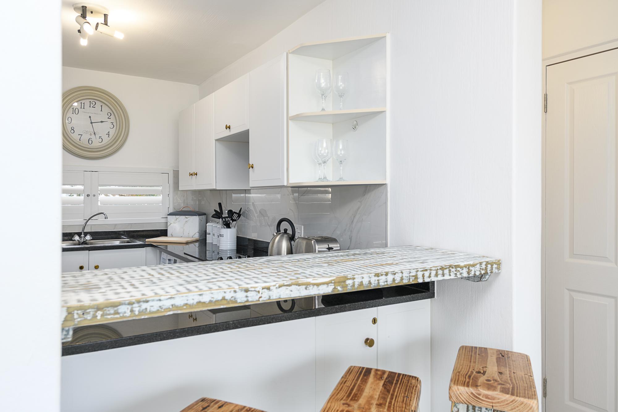 Kitchen Unit  85