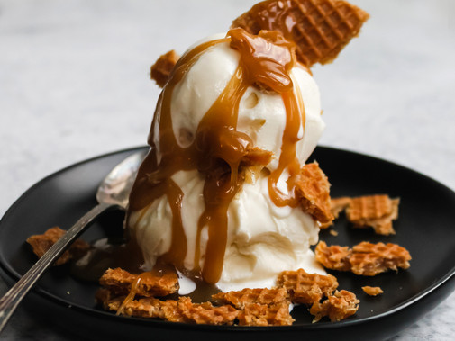 Stroopwafel Sundaes with Homemade Caramel Sauce
