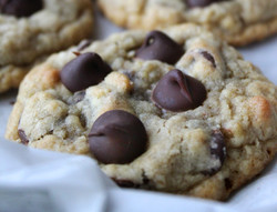 Potbelly's Copycat Oatmeal Chocolate Chip Cookies