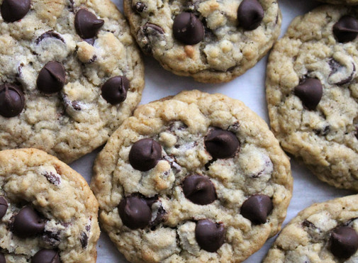 Oatmeal Chocolate Chip Cookies (Potbelly's Copycat)