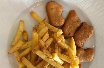 Formule Enfant avec Nuggets et Dessert