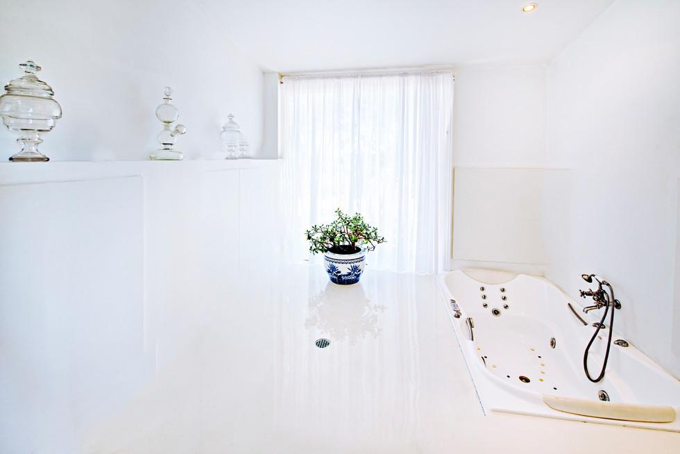 Western & Eastern Master Bathroom