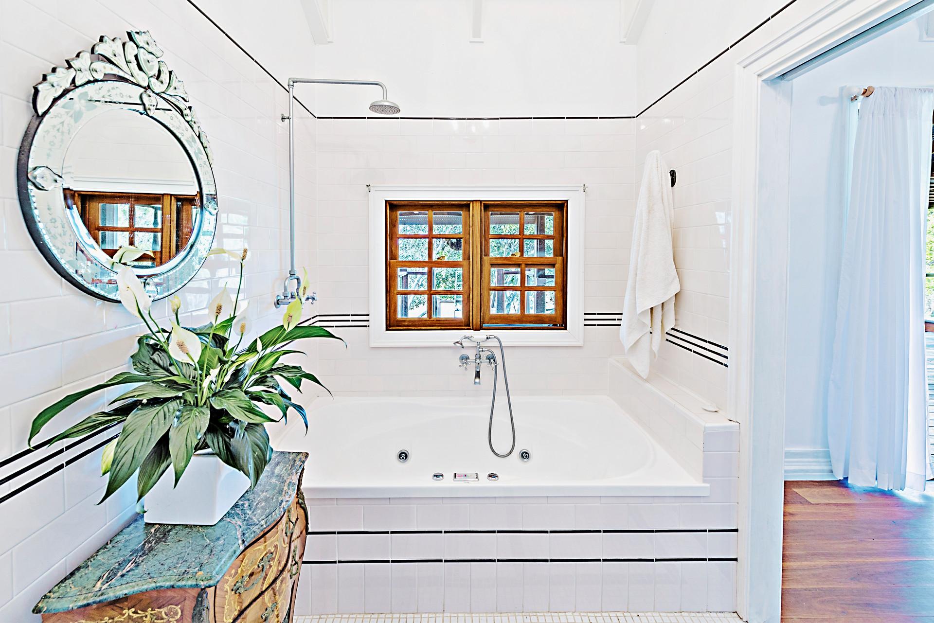 Eastern Superior Suite 2 Bathroom