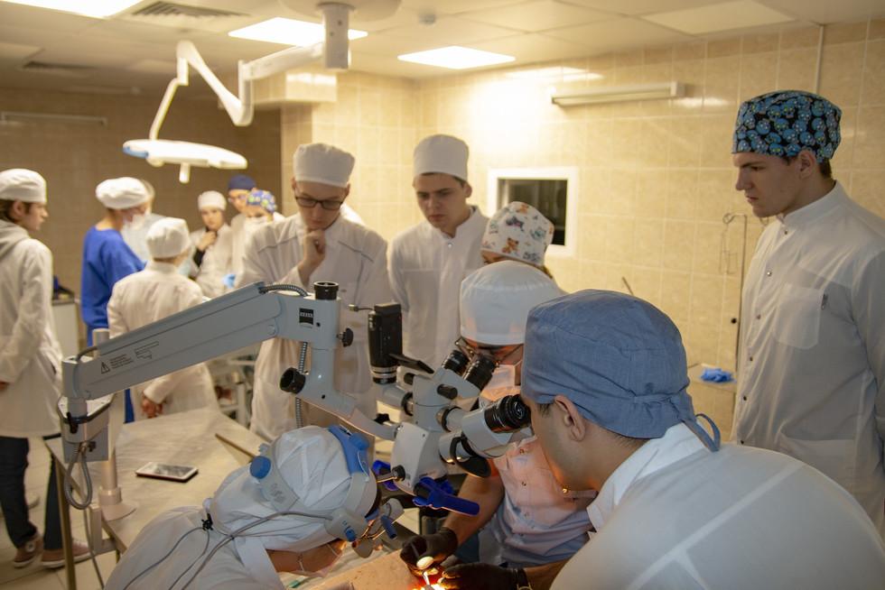 Тренинг базовых хирургических навыков