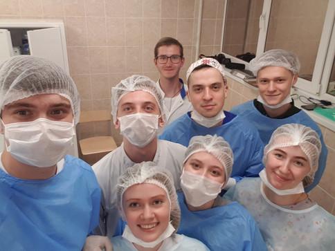 Операционный день в лаборатории экспериментальной хирургии