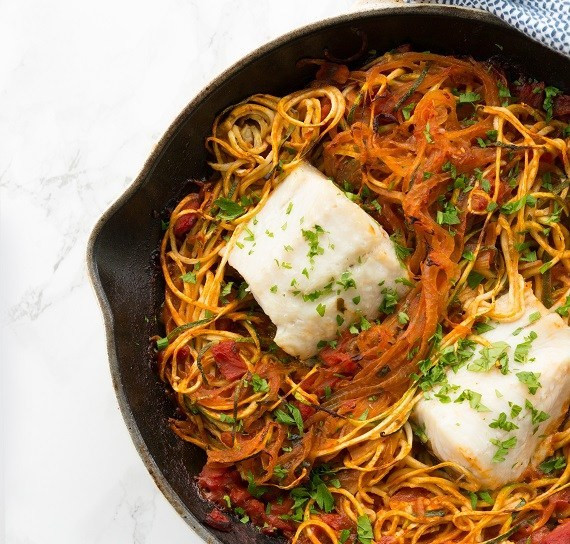 mediterranean baked cod with zucchini noodles