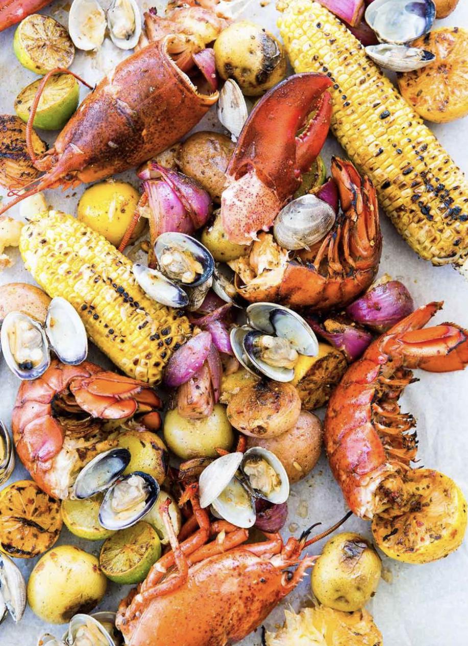 6 Best Seafood Boils for Summer