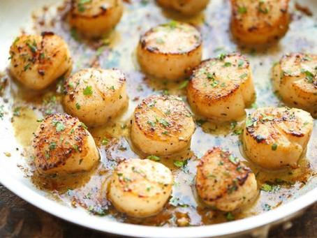 Simple Garlic Butter Scallops