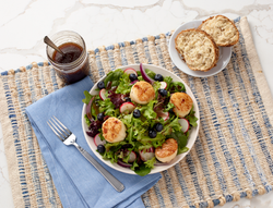 Seared Scallop Salad with Blueberries
