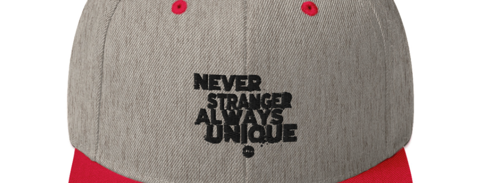 SnapBack con Ricamo 2Col | Never Stranger