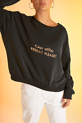 sweatshirt-mockup-of-a-woman-with-an-and