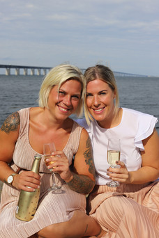 Portrait of sisters Nina and Frida in Malmö, Sweden. Photo: Anna Larsson.