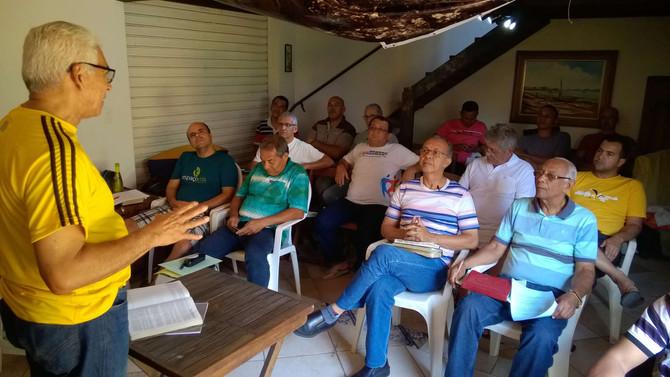 Retiro promove troca de experiências entre pastores da ABB
