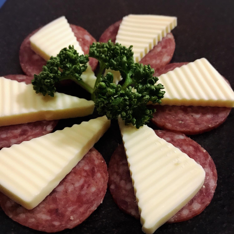 チーズサラミ