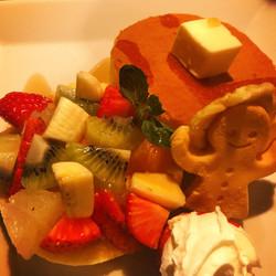 フルーツパンケーキ¥1500