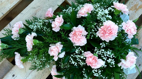 kukkakimppu_vaaleanpunainen