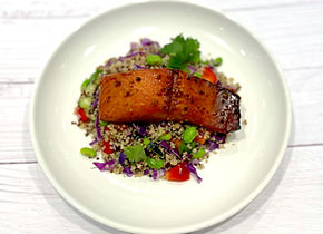 Asian Quinoa Bowl (salmón).jpg