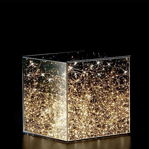 Новогодняя гирлянда в кубе