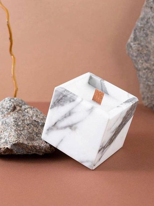 Свеча в камне