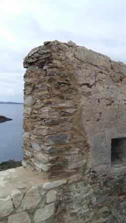 Fort_de_l'île_de__Porquerolle_-mur_resta
