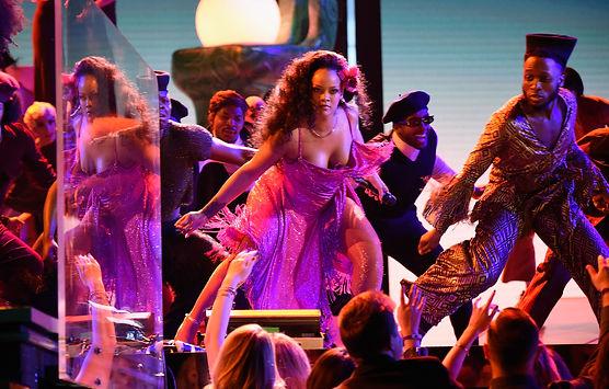 Rihanna L.jpg