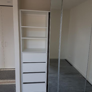 Full mirror doors & drawers with no handles