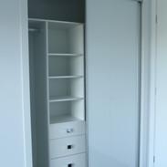 White glass sliding doors & internals