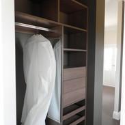Woodgrain Walk-in Fit-out (AmariOak) int