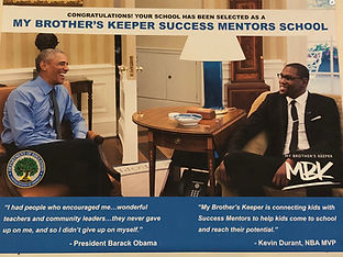 Barak Obama and Kevin Durant chat and smile