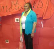 Ms. Gordon poses on the roundtable project red carpet