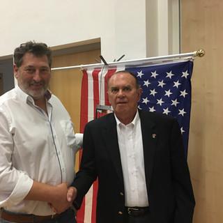 jnm und Col. Charles Halt