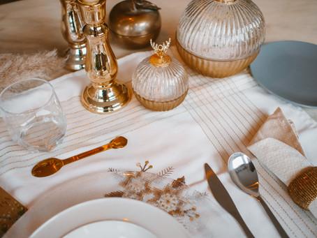 Tre idee per decorare la tavola di Natale.