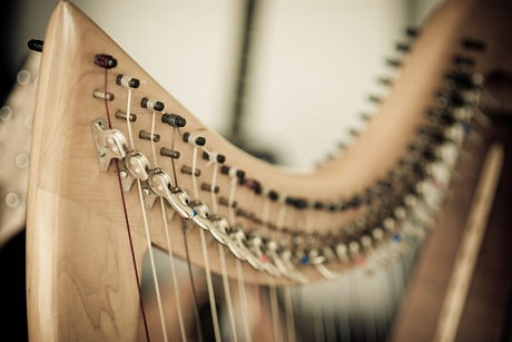 depositphotos_12740122-stock-photo-harp.