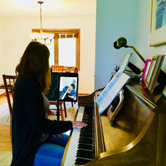 Online Piano Lesson with Ms. Tomina