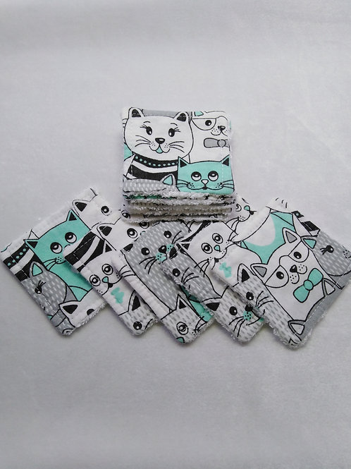 Set of 10 cotton and bamboo make up remover wipes.  Cinema cats pattern.