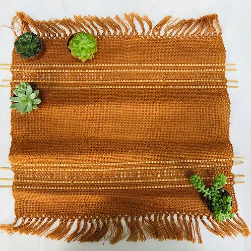 Tovaglietta tessuta a telaio con inserti in legno