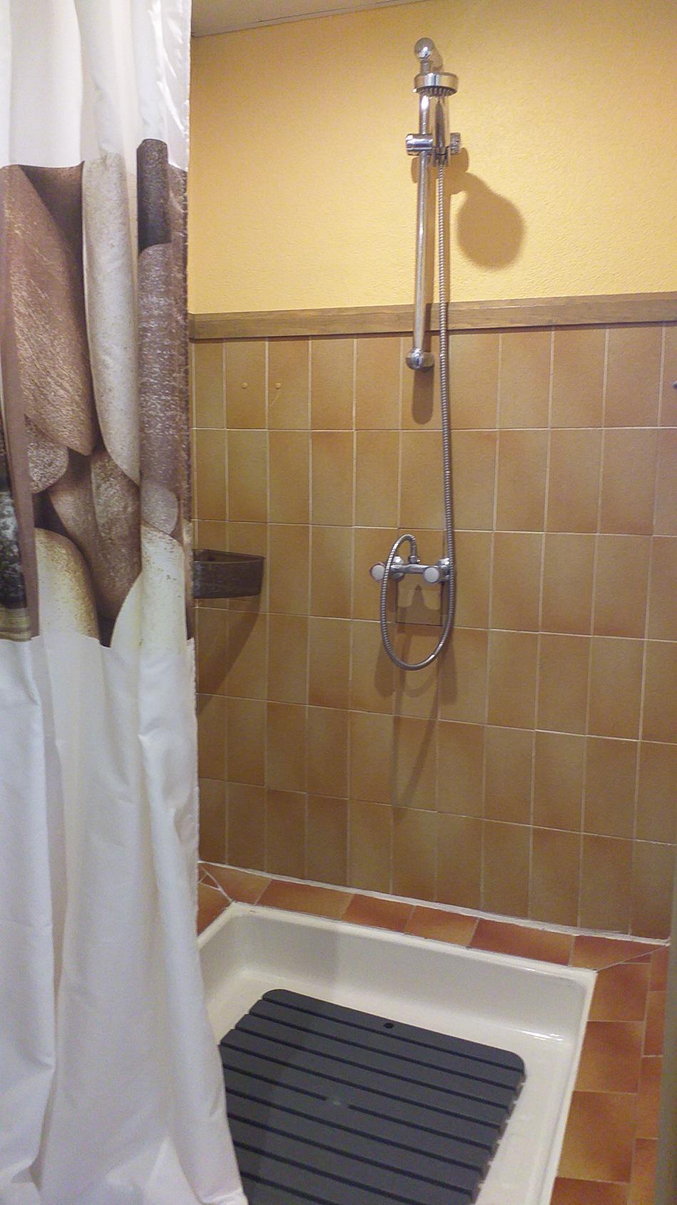 gîte-lafond-salle d'eau