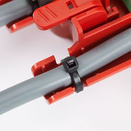 4evac- A simple but effective tie-wrap quickly secures the cable onto the loopdrive housing.