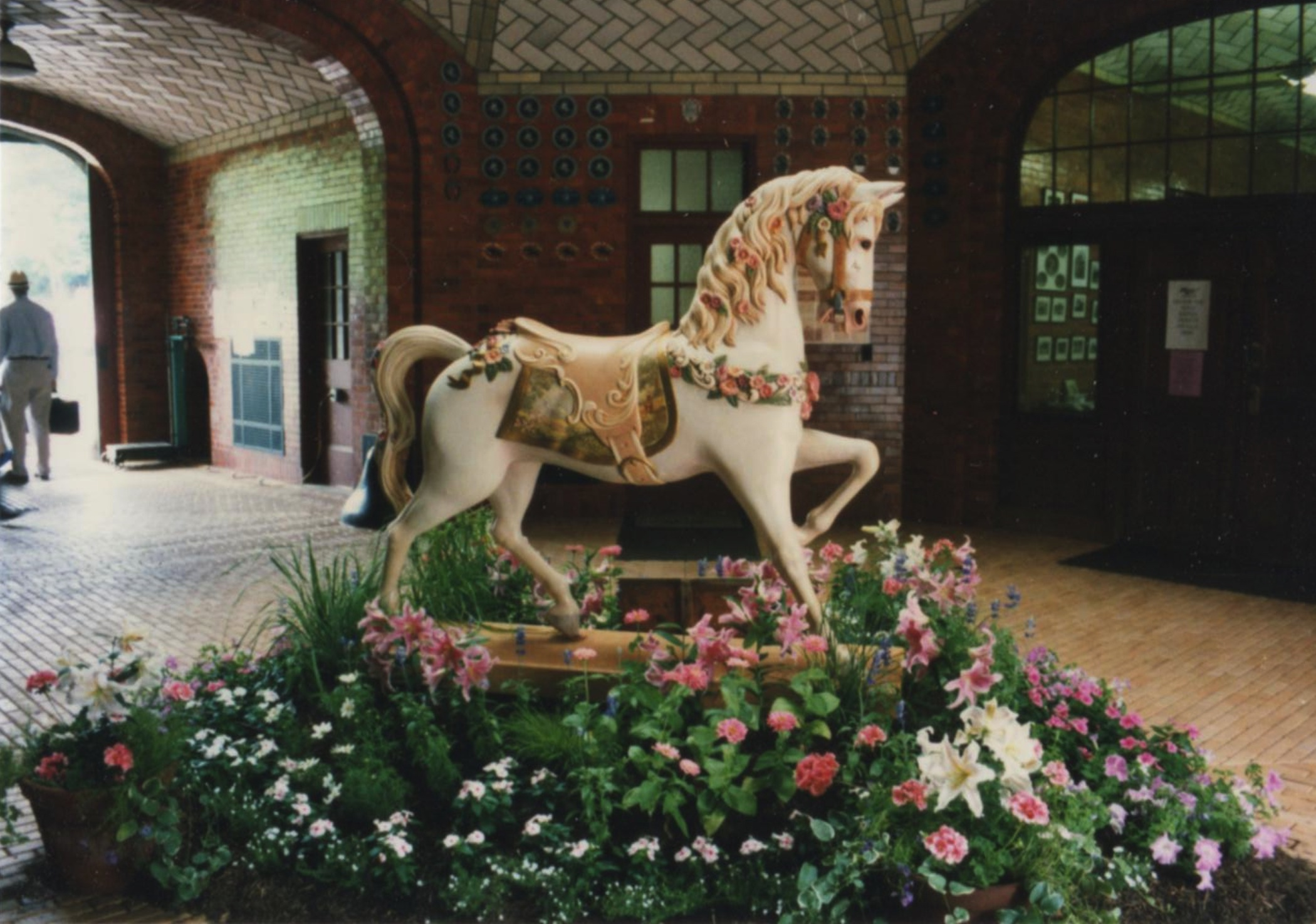 Flower_horse_in_rotundacarousel