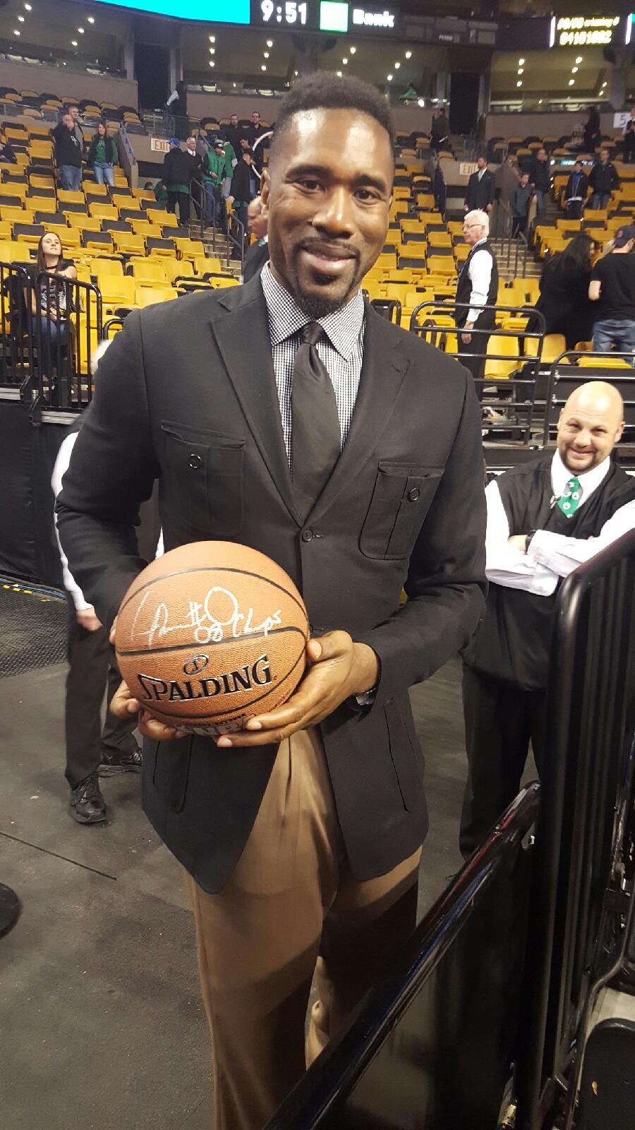 Leon Powe Autographed Basketball